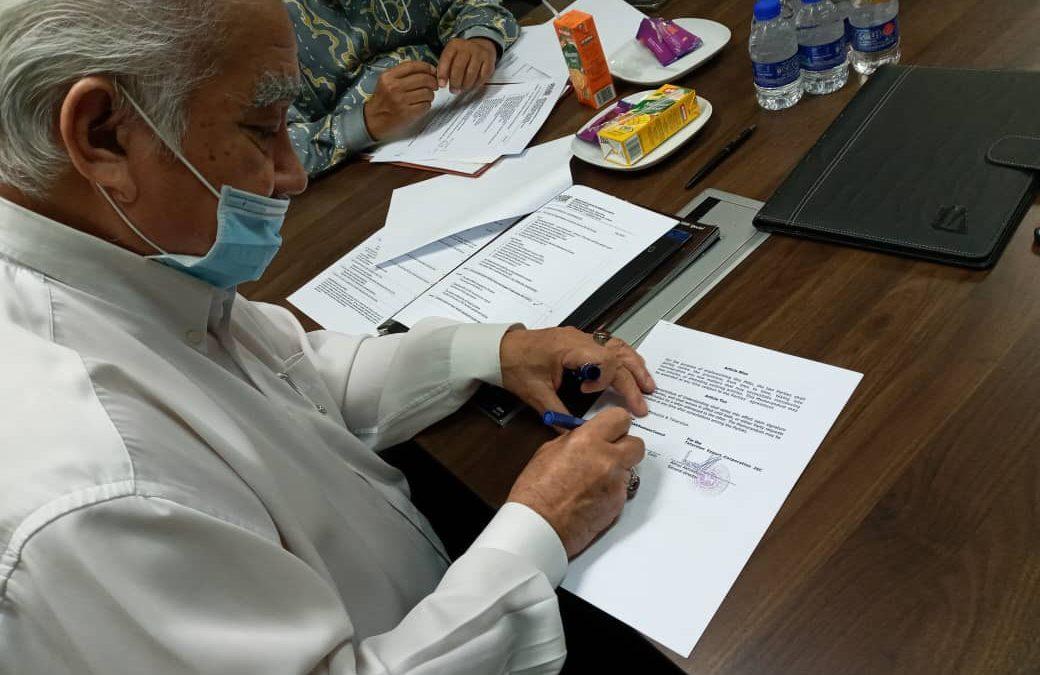SIGNING MEMORANDUM OF UNDERSTANDING BETWEEN IRAN – ASEAN BUSINESS COUNCIL & TATARSTAN EXPORT CORPORATION JSC